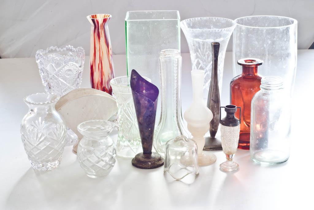 Decluttering vases